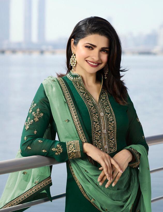 Emerald Green Heavy Embroidered Party Wear Punjabi Salwar Kameez
