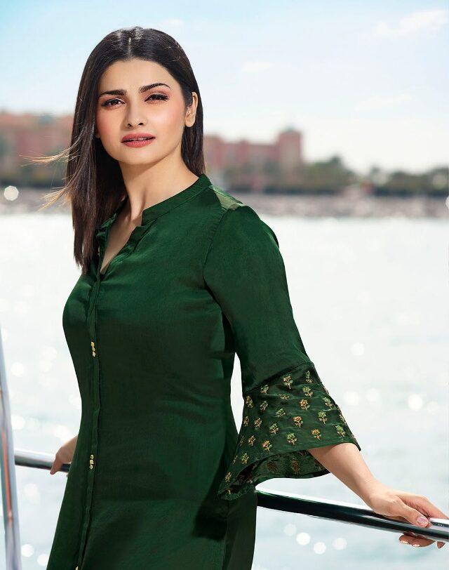 Dark Green Prachi Desai Style Bollywood Kurti