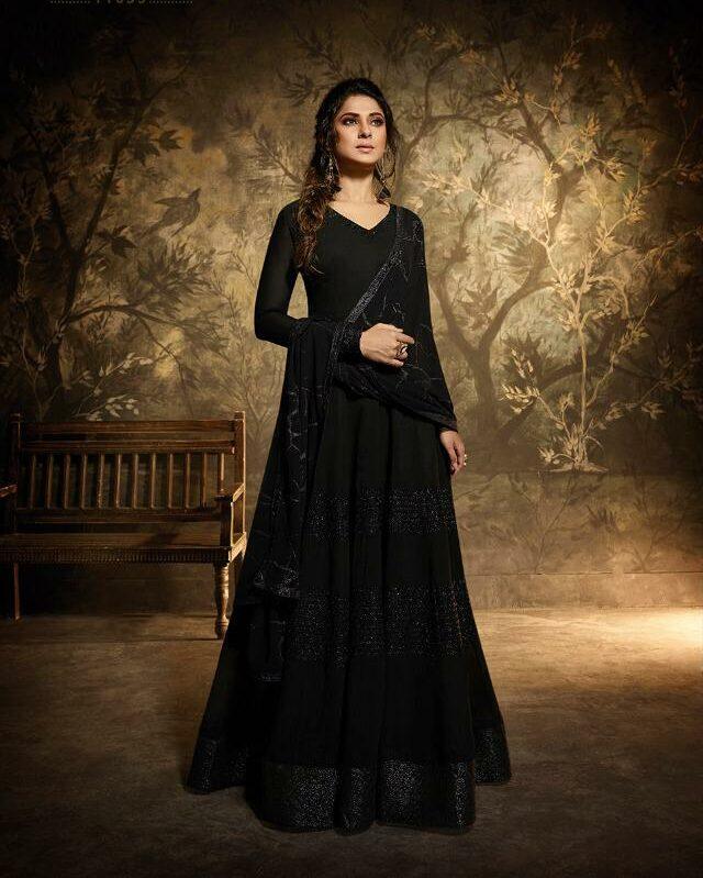 Jennifer Winget Dresses in Bepanah | look of Jeniffer Winget