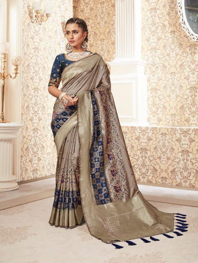 New Designer Banarsi Silk Saree With Designing Blouse