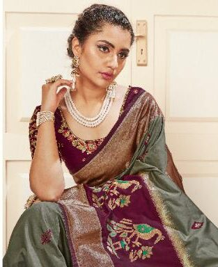New Designer Party Wear Silk Saree With Contrast Blouse