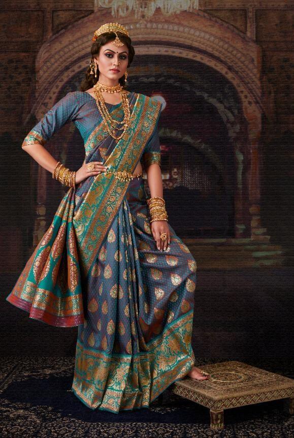 Best Royal Queen Look Silk Banarsi Bridal Party Wear saree