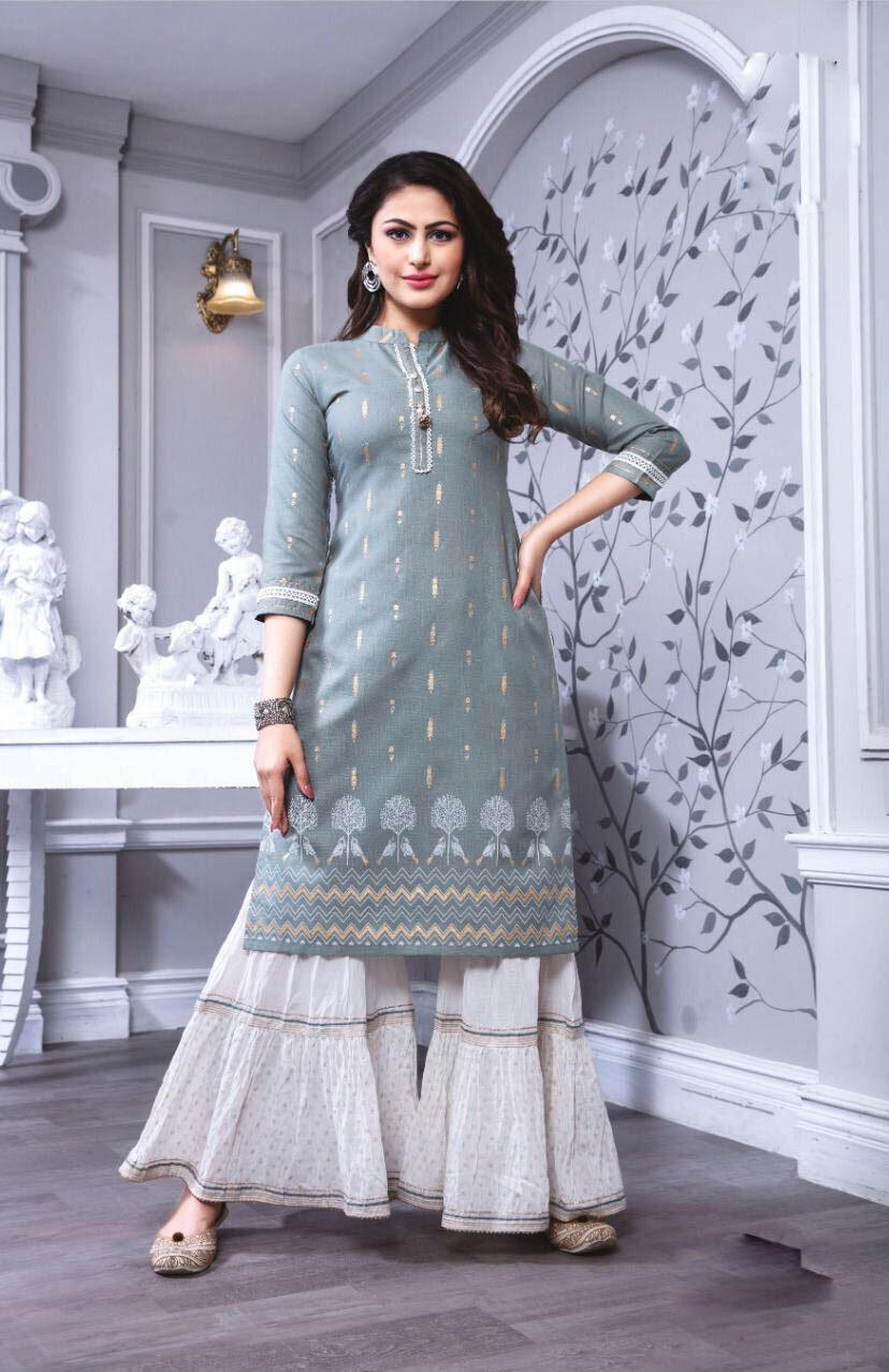 New Inventer Light Grey Color Woolen Salwar Kameez Cost.