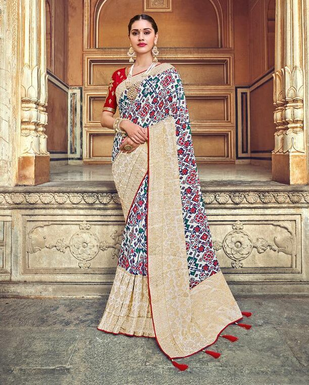 Off White with Heavy Blouse Designer Saree for Wedding Party