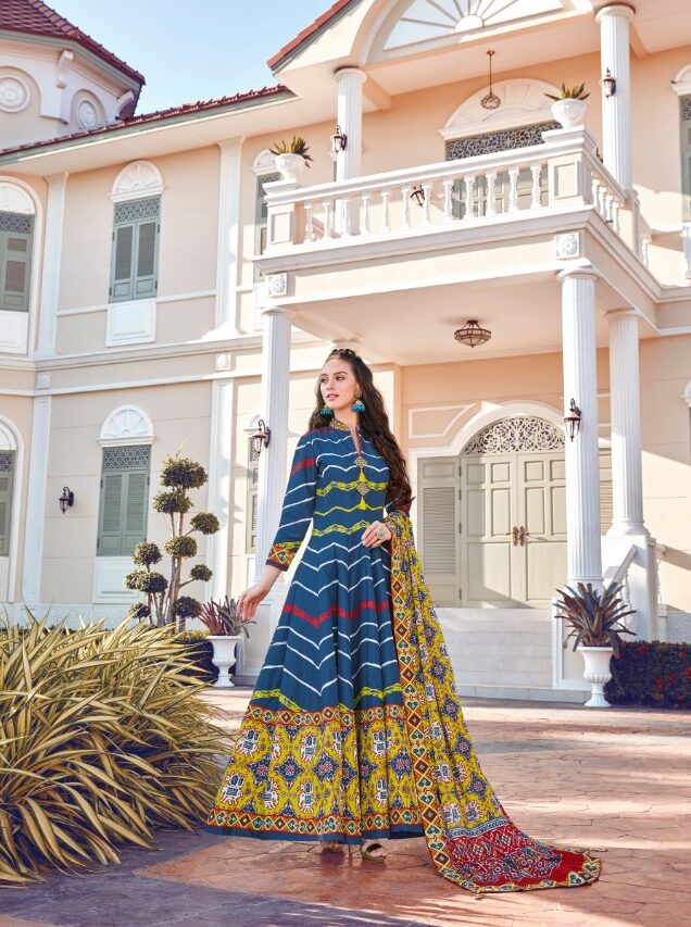 Digital patola Print Nevi Blue Latest Wedding Lehenga.