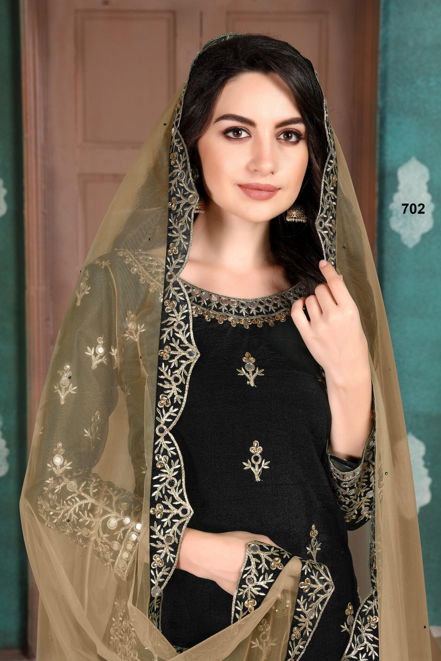 Black Colour Suits for Women Wedding